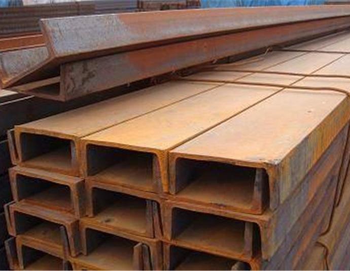 槽钢—拉森桩施工